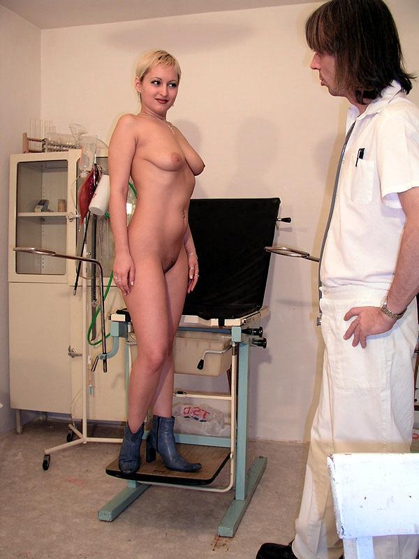 the docter exams her ass jpg 422x640